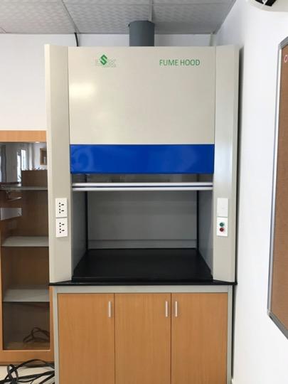 Tủ hút chịu hoá chất dùng trong phòng thí nghiệm trường học- tại quận 2