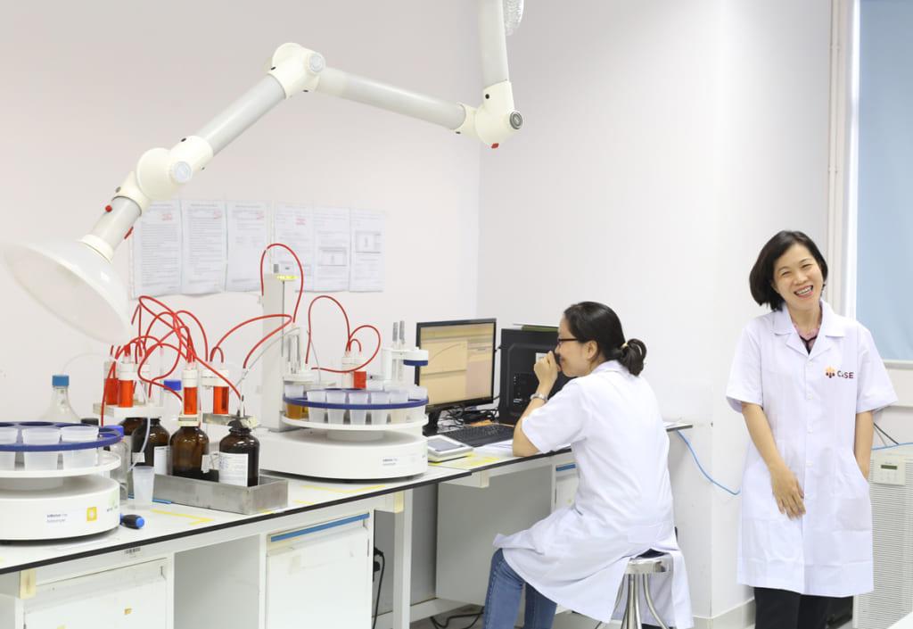 chụp hút khí di động phòng thí nghiệm
