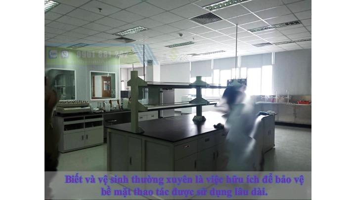 Biết và vệ sinh thường xuyên là việc hữu ích để bảo vệ bề mặt thao tác được sử dụng lâu dài.