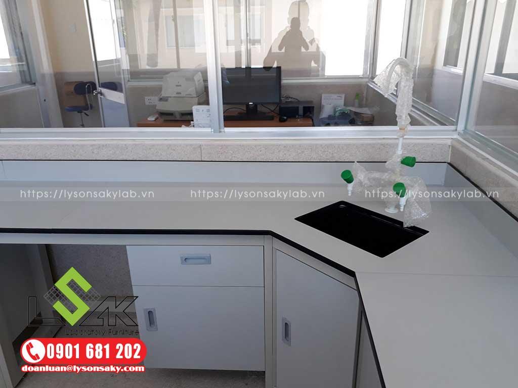 Bàn giao nội thất phòng thí nghiệm Công ty Thủy Sản Việt Úc Bình Thuận