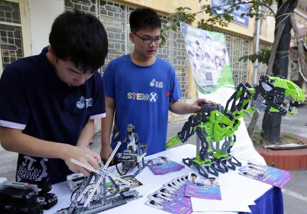 Ngày hội khoa học công nghệ cho học sinh (STEM 2019)