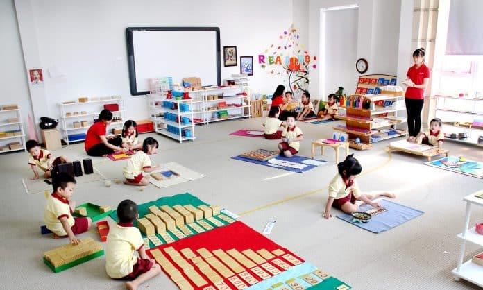 Phương pháp Montessori và những điều ba mẹ cần biết