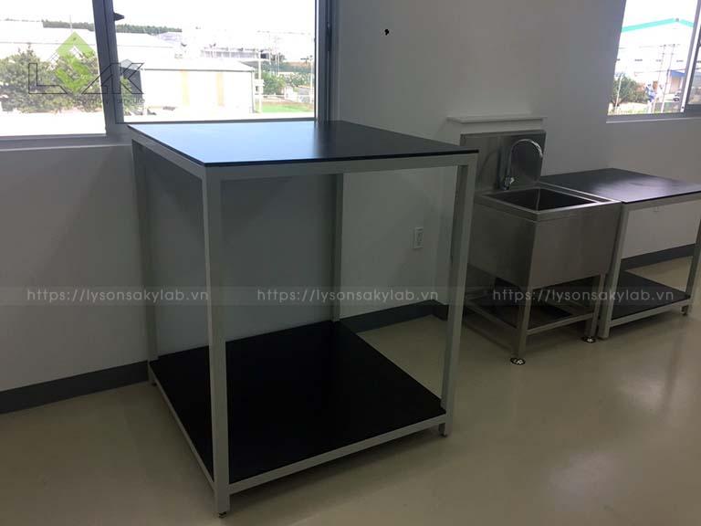 Kệ đặt thiết bị 2 tầng / 2 Storey equipment shelf