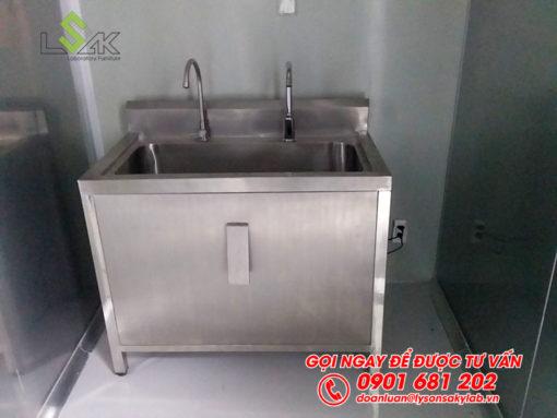 Bồn rửa inox nhấn gối phòng sạch