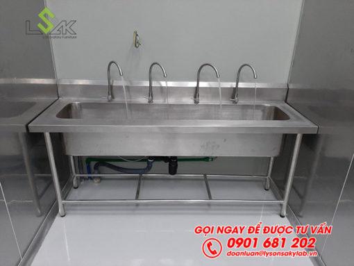 Bổn rửa inox phòng sạch 4 vòi