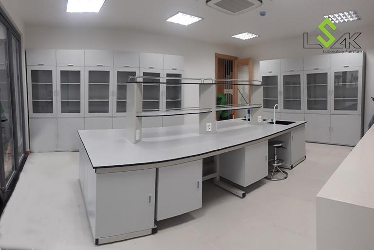 Thi công nội thất phòng thí nghiệm mỹ phẩm Công ty Cổ Phần TVR